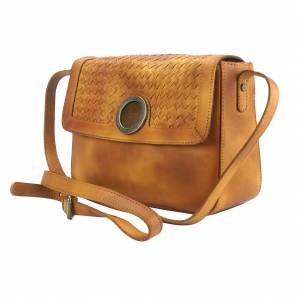 Shoulder flap bag Luna by vintage leather